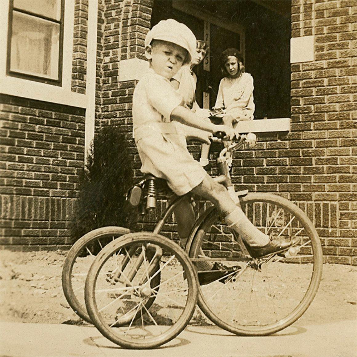 elmore-leonard-bike